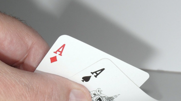 blog post - Popular Casino Table Games You Should Give a Try